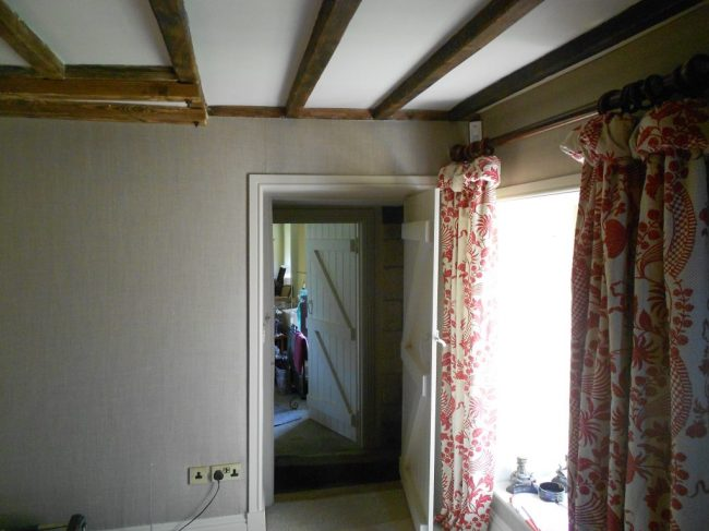 Gloucestershire Country House - fabric walling